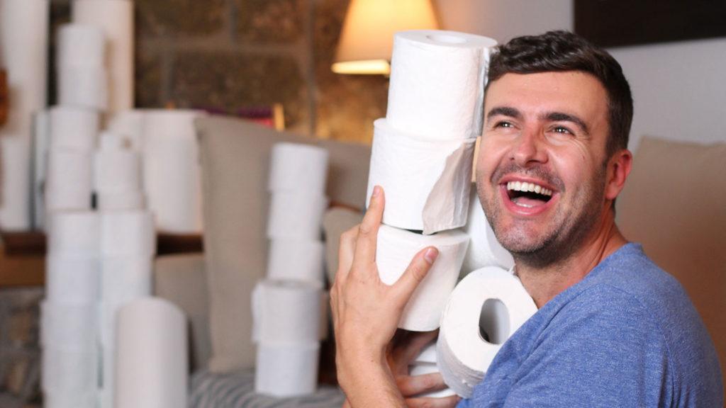 Coronavirus: Mann mit Toilettenpapier
